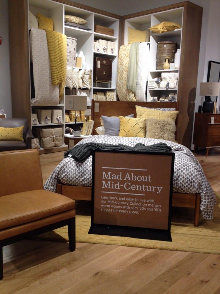 west elm furniture 25 reviews furniture stores 215 w. Black Bedroom Furniture Sets. Home Design Ideas