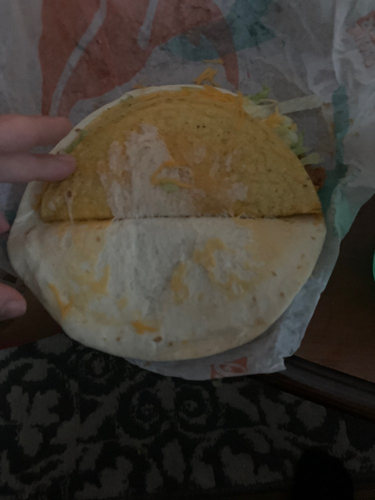 Taco Bell: 1475 South Parkway Drive, Blackfoot, ID
