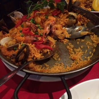 Photo Of Vivo Spanish Restaurant Newark Nj United States Valenciana Paella