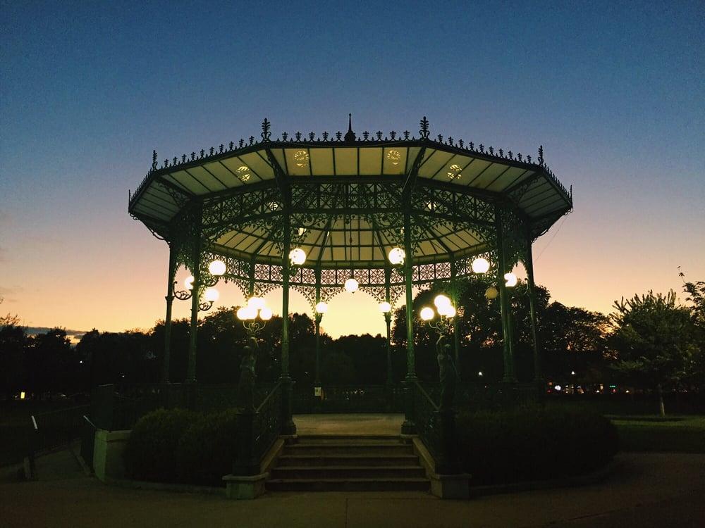 Chicago Park District - Welles Park