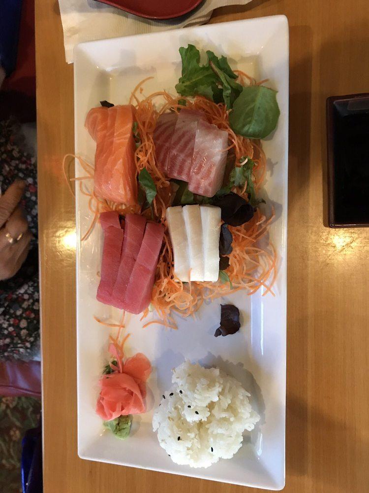Kobe Hibachi Sushi and Bar: 254 Mohawk Trl, Greenfield, MA