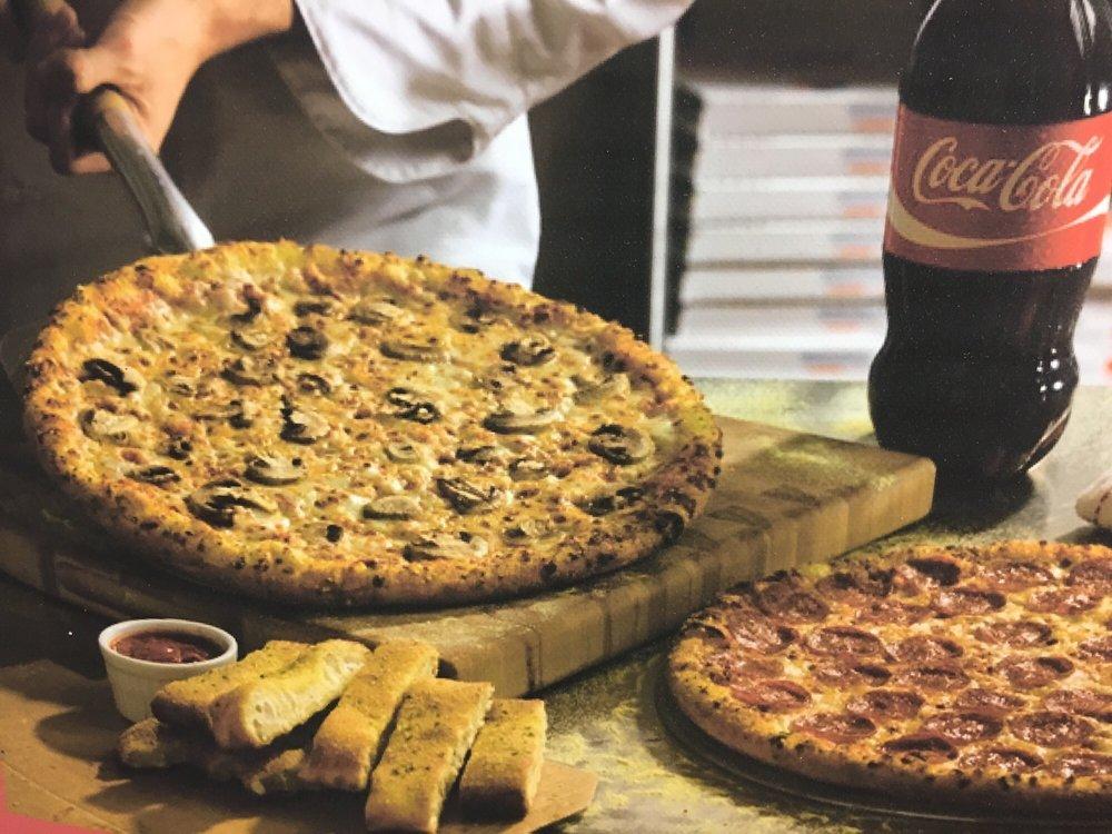 Giorgio's Pizzeria: 916 Manvel Ave, Chandler, OK