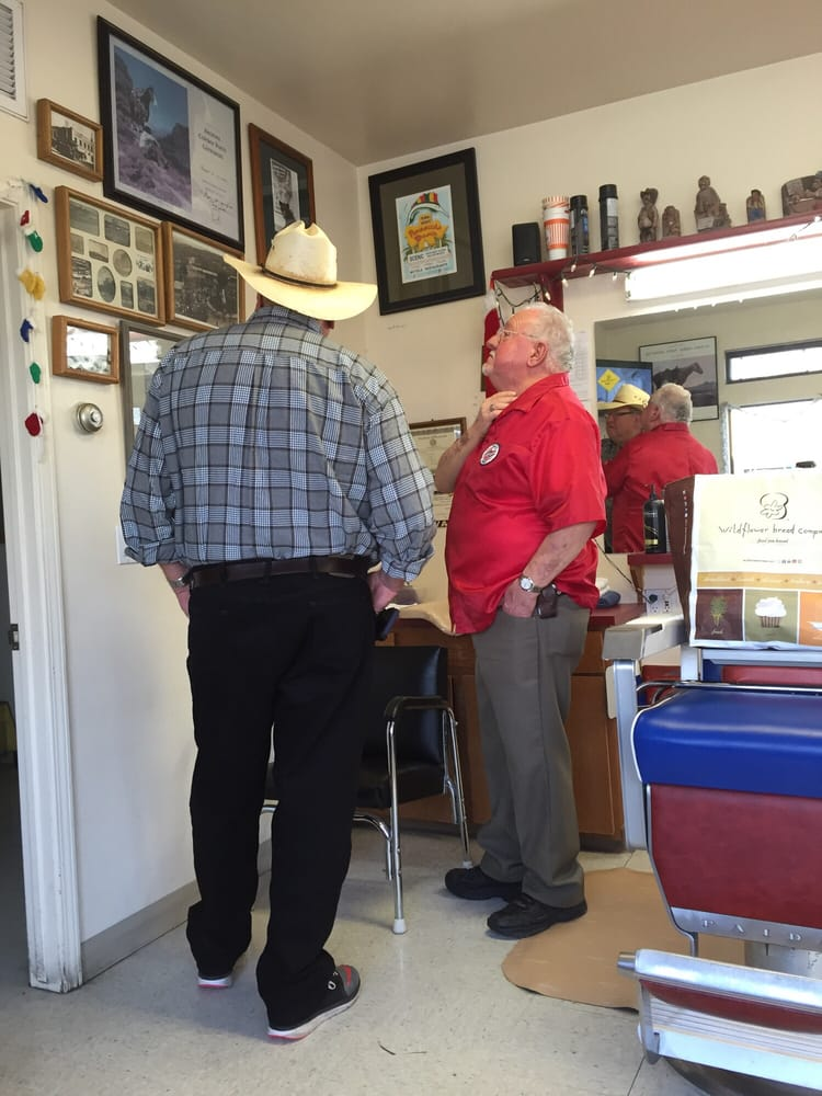 Roger's Modern Barber Shop & Styling: 715 N Montezuma St, Prescott, AZ