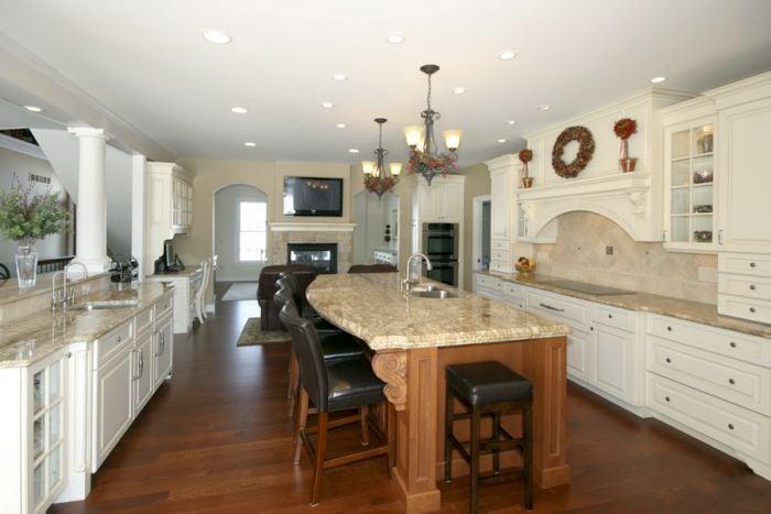 McDaniels Kitchen & Bath: 16839 S US Hwy 27, Lansing, MI