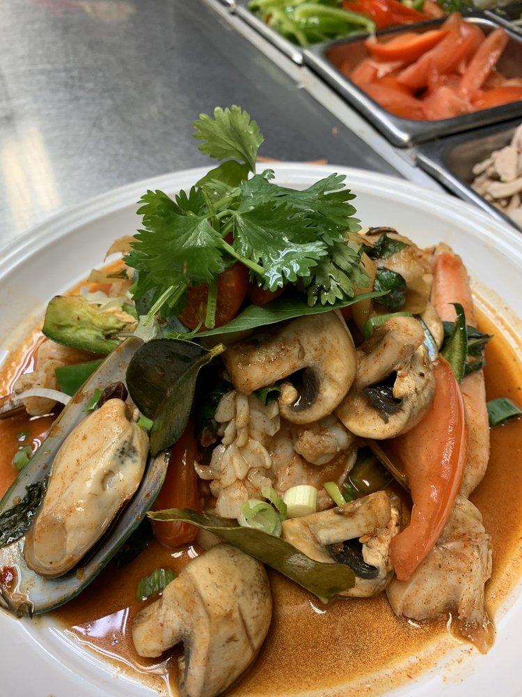 Thai House Restaurant: 430 N Sandhill Blvd, Mesquite, NV