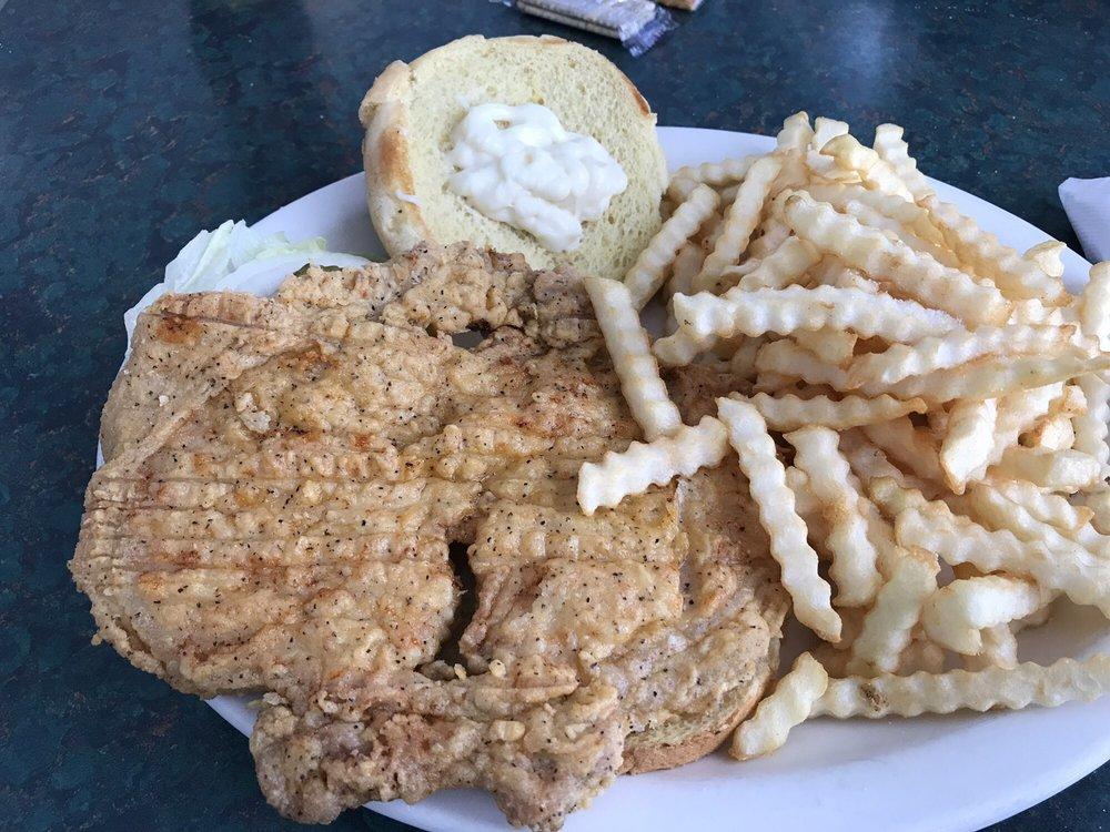 Tosi Diner: 401 S Obannon St, Raymond, IL