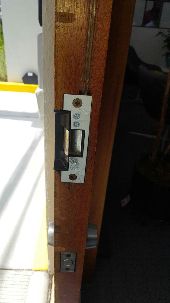 Multi Locksmith   1906 Mendocino St, Richmond, CA, 94804   +1 (510) 254-4070