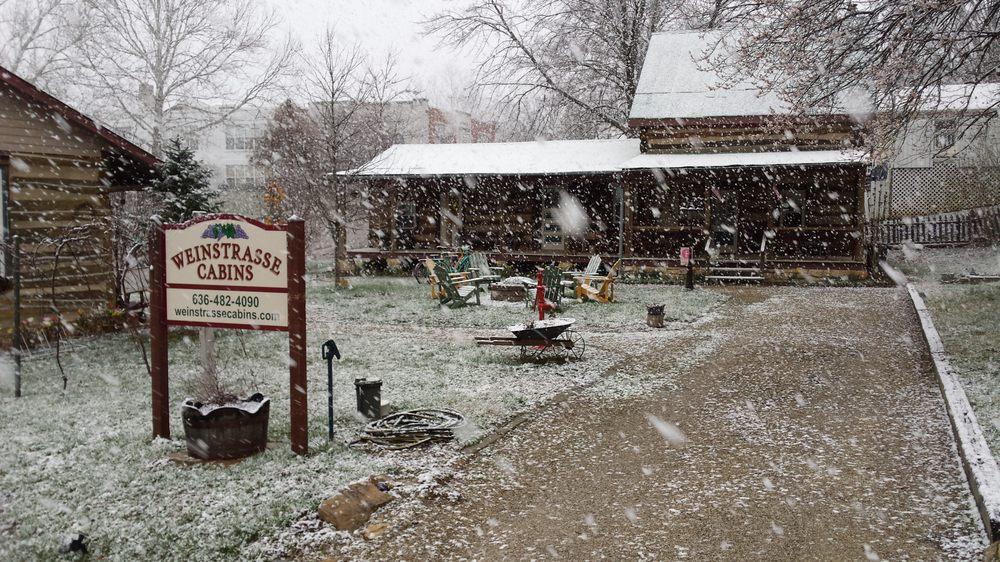 Weinstrasse Cabins: 210 Ferry St, Augusta, MO