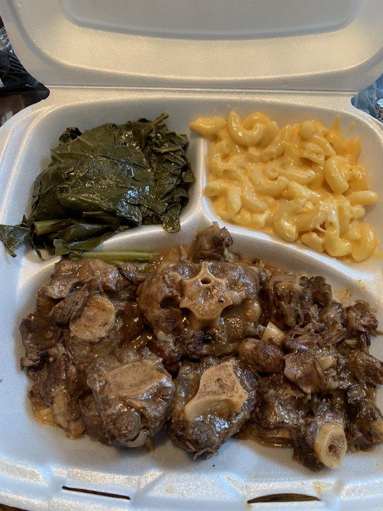 Granny Dee's Kitchen: 1950 Louetta Rd, Spring, TX