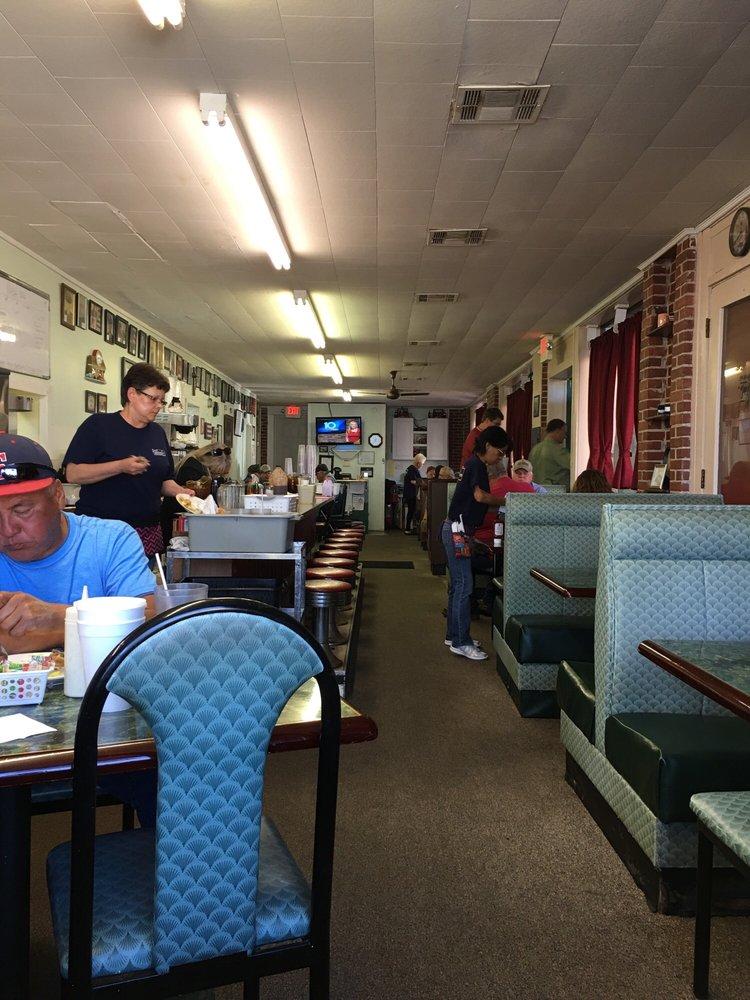 Bus Station Cafe: 411 E Broadway, Seminole, OK