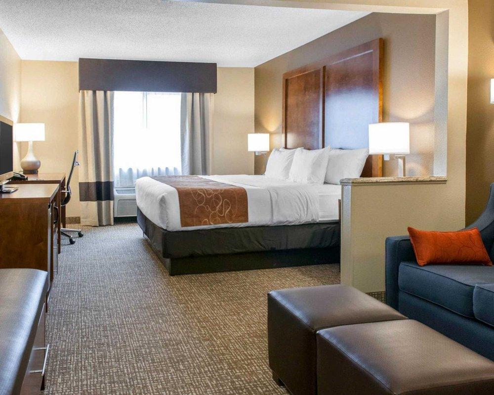 Comfort Suites: 501 E Margaret Ave, Terre Haute, IN