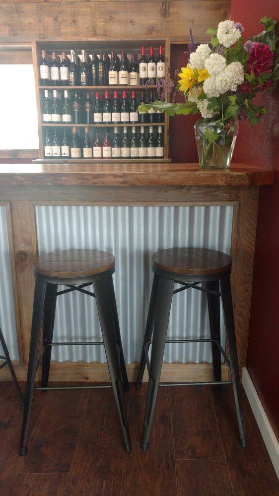 Woods Bay Wine: 14942 Montana Hwy 35, Bigfork, MT