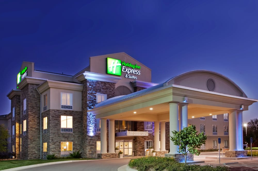 Holiday Inn Express & Suites East Wichita I-35 Andover: 600 S Allen St, Andover, KS