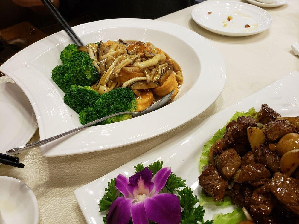 Longo Seafood Restaurant: 13161 Peyton Dr, Chino Hills, CA