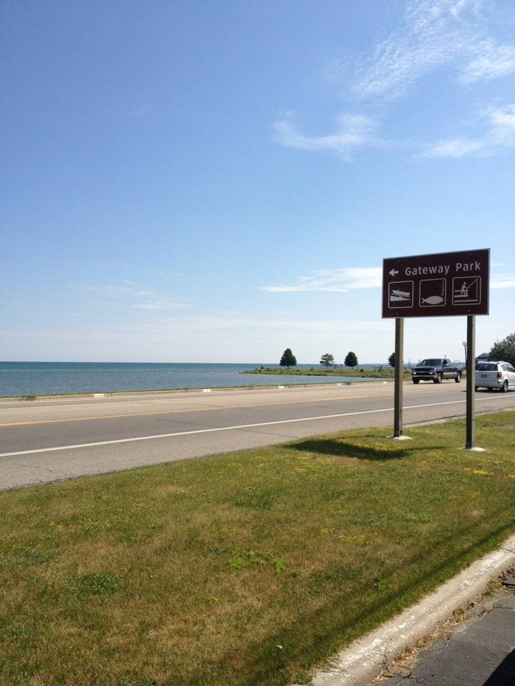 Surfside Motel Marina Resort: 716 W Lake St, Tawas City, MI