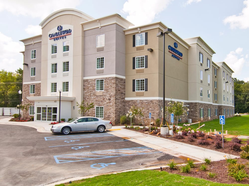 Candlewood Suites Tupelo North: 979 N Gloster St, Tupelo, MS