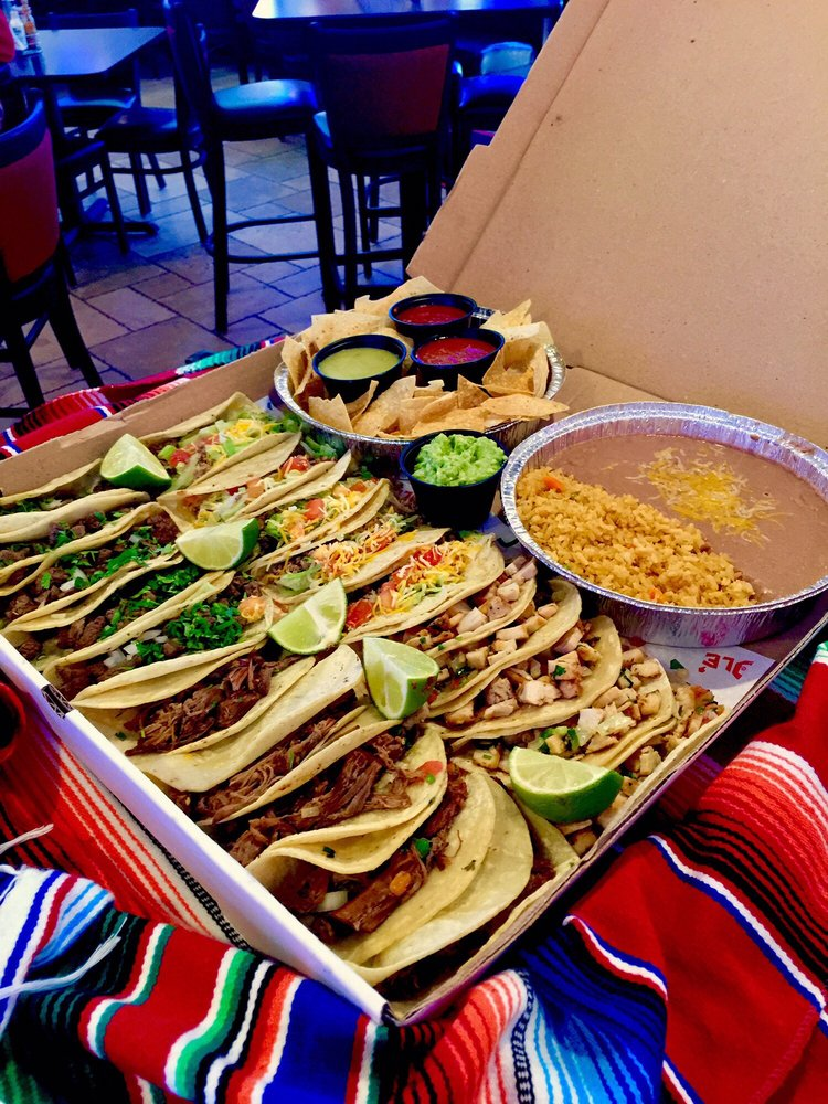 Chihua's Mexican Restaurant Bar & Grill: 1518 S Main St, Perryton, TX
