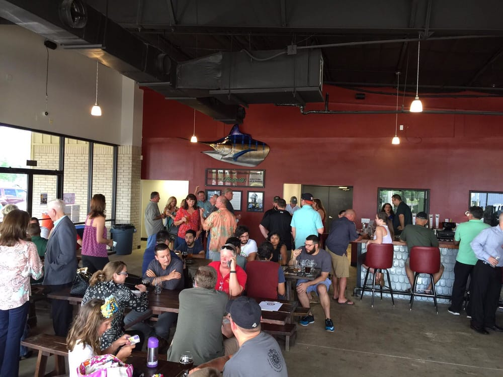 Bakfish Brewing: 1231 E Broadway St, Pearland, TX
