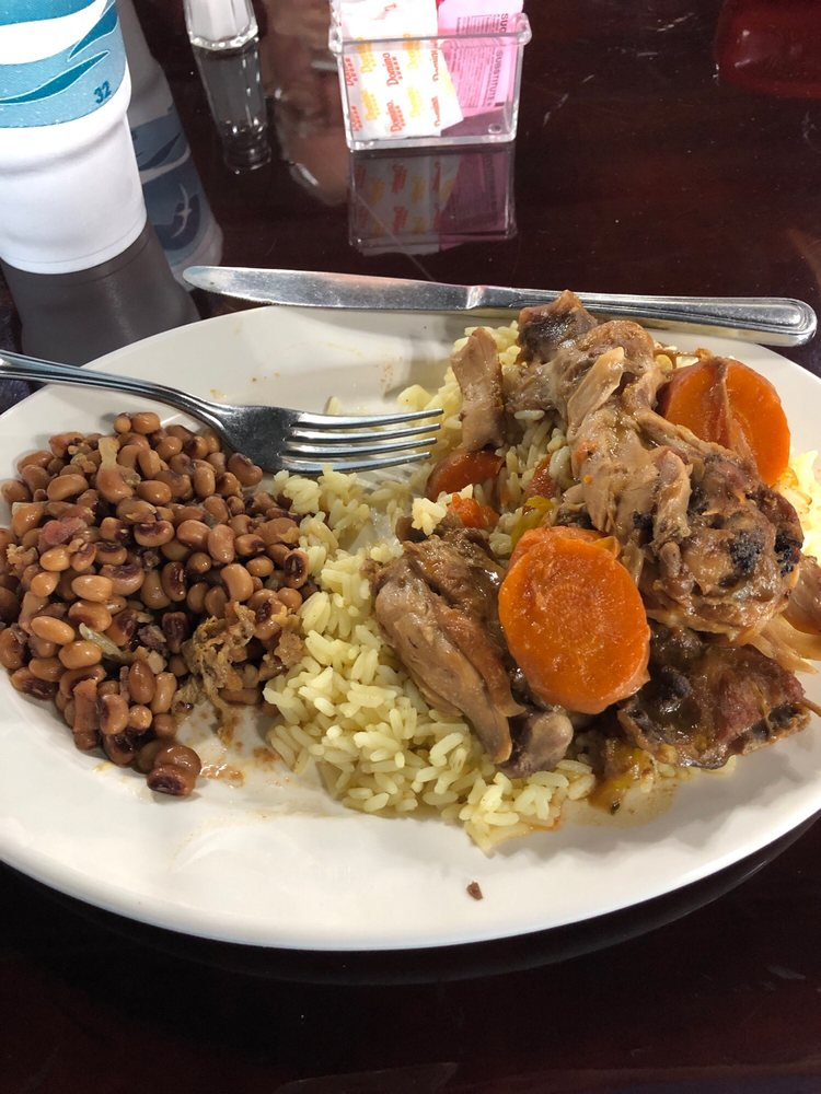 Town Center Cafe: 129 N Lake Ave, Pahokee, FL