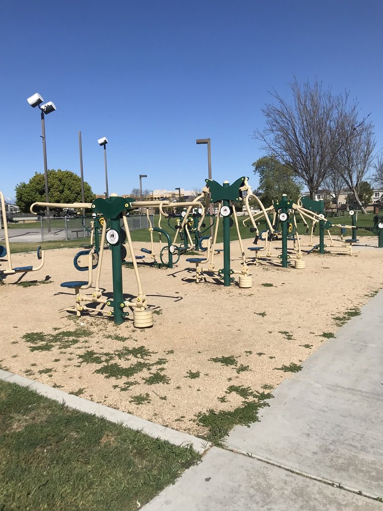 Independence Park: 801 W Valencia Dr, Fullerton, CA