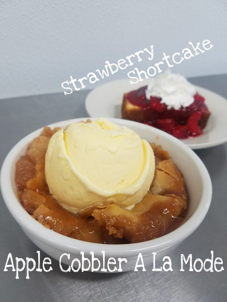 Apple Basket: 215 N Rollins St, Macon, MO