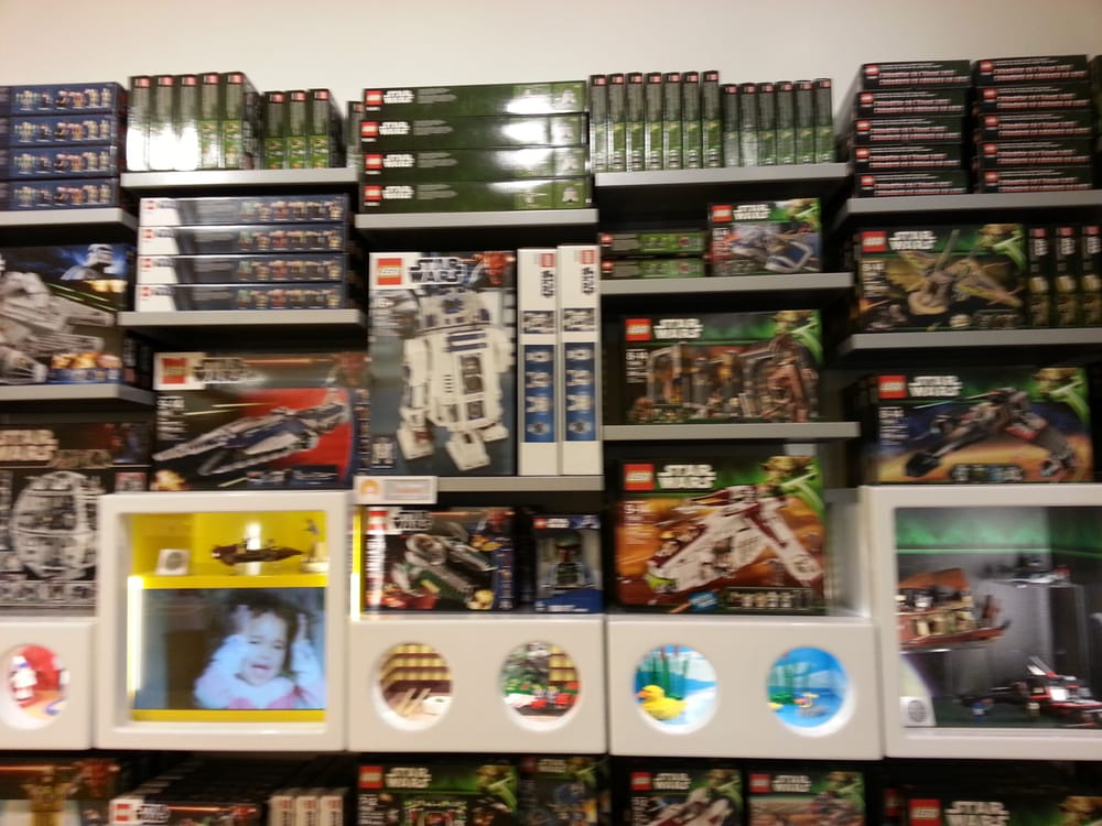 The Lego Store: 55 W County Ctr, Des Peres, MO