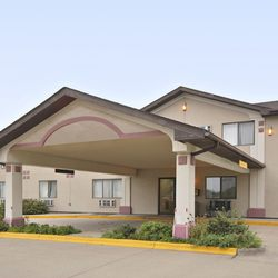 Photo Of Super 8 By Wyndham Knoxville Ia United States