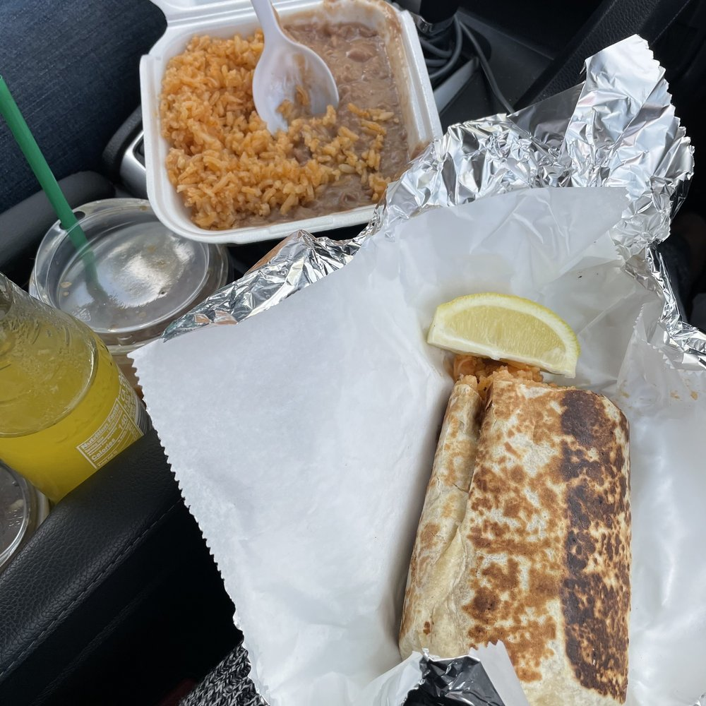 Primos Tacos: 342 W Hermosa St, Lindsay, CA