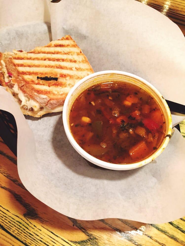 DiChicko's Peri Peri Cafe: 2825 Washington Rd, Augusta, GA