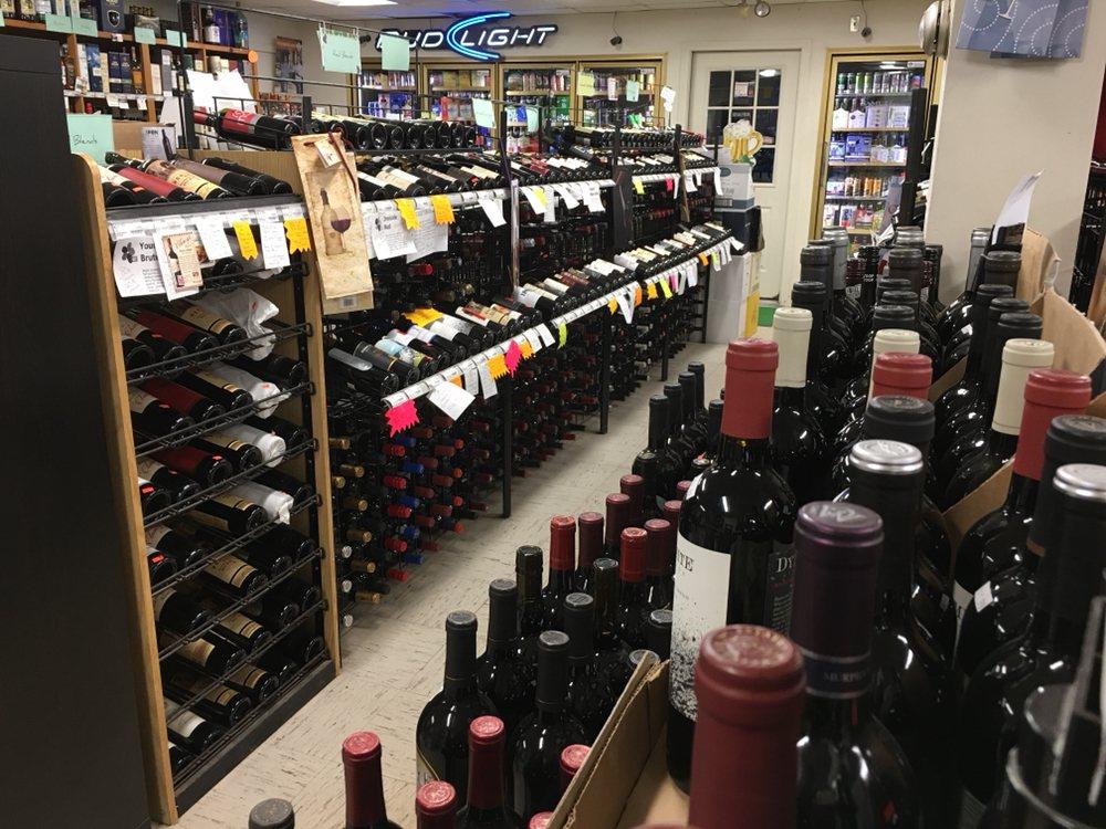 Franklin Liquors: 363 E Central St, Franklin, MA