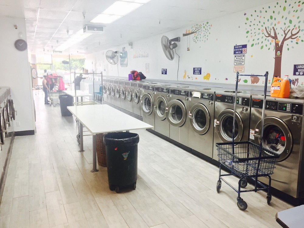It's Laundryday: 1650 E Hatch Rd, Modesto, CA