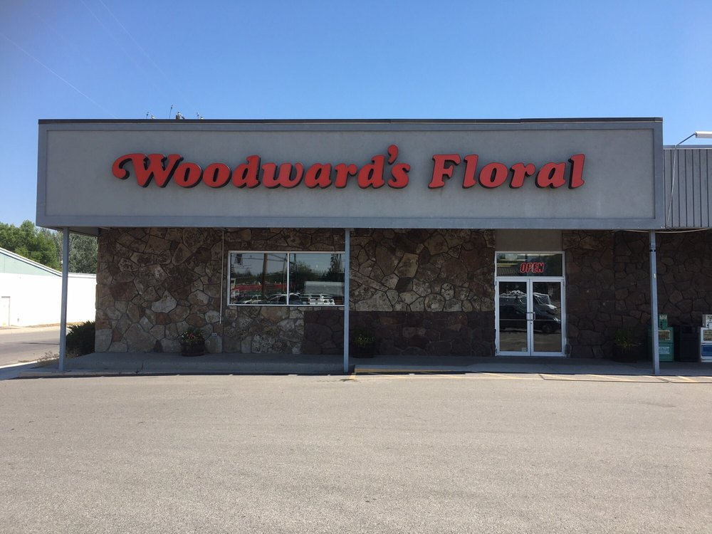 Woodward's Floral: 623 N Federal Blvd, Riverton, WY