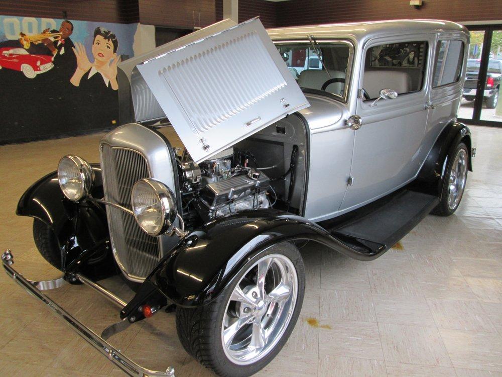 Ray Winnie Auto Sales: 121 W Washington St, Greenville, MI
