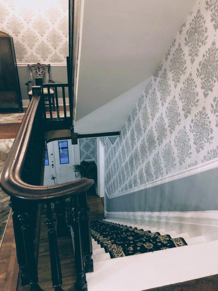 Rosemont Inn: 1423 Genesee St, Utica, NY