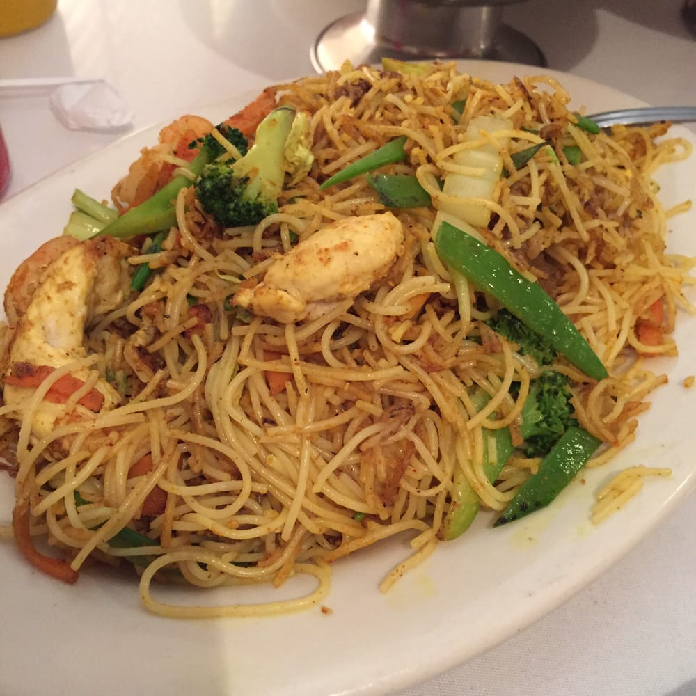 Singapore noodles. Not bad,not great. - Yelp