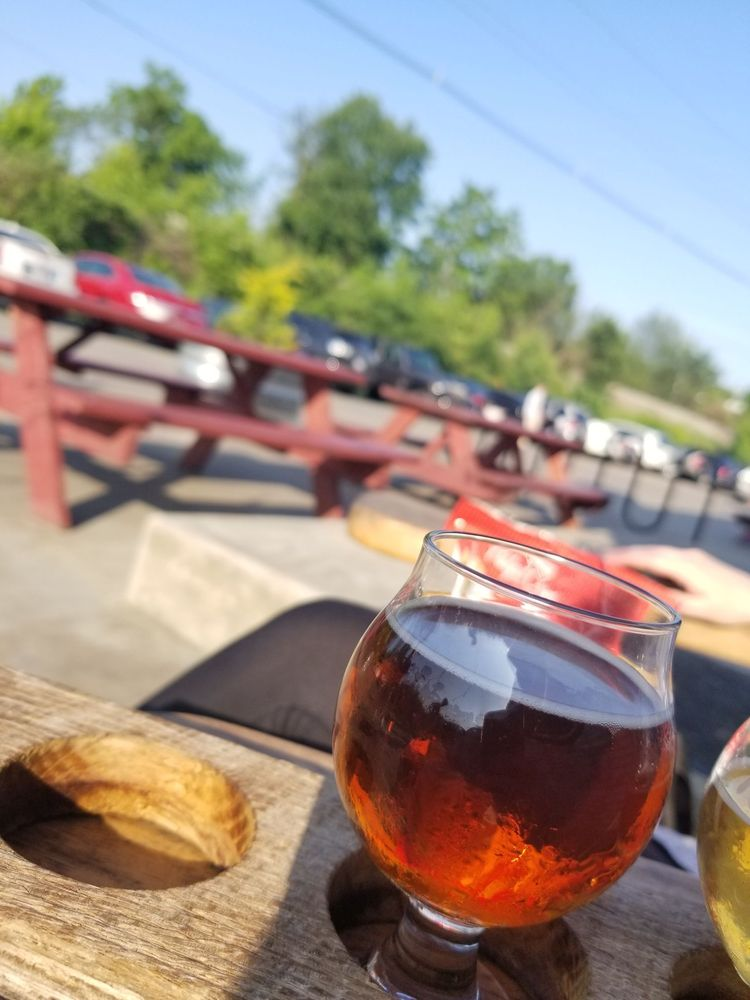 Dry Ground Brewing Company: 3121 Broadway St, Paducah, KY