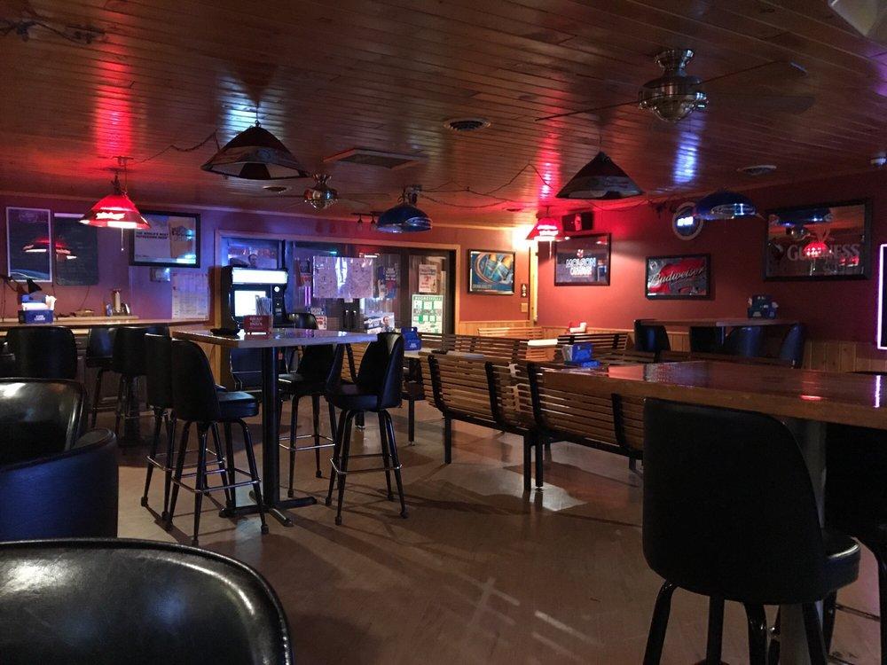 The Angus Inn: 5253 Rt 220 Hwy, Hughesville, PA