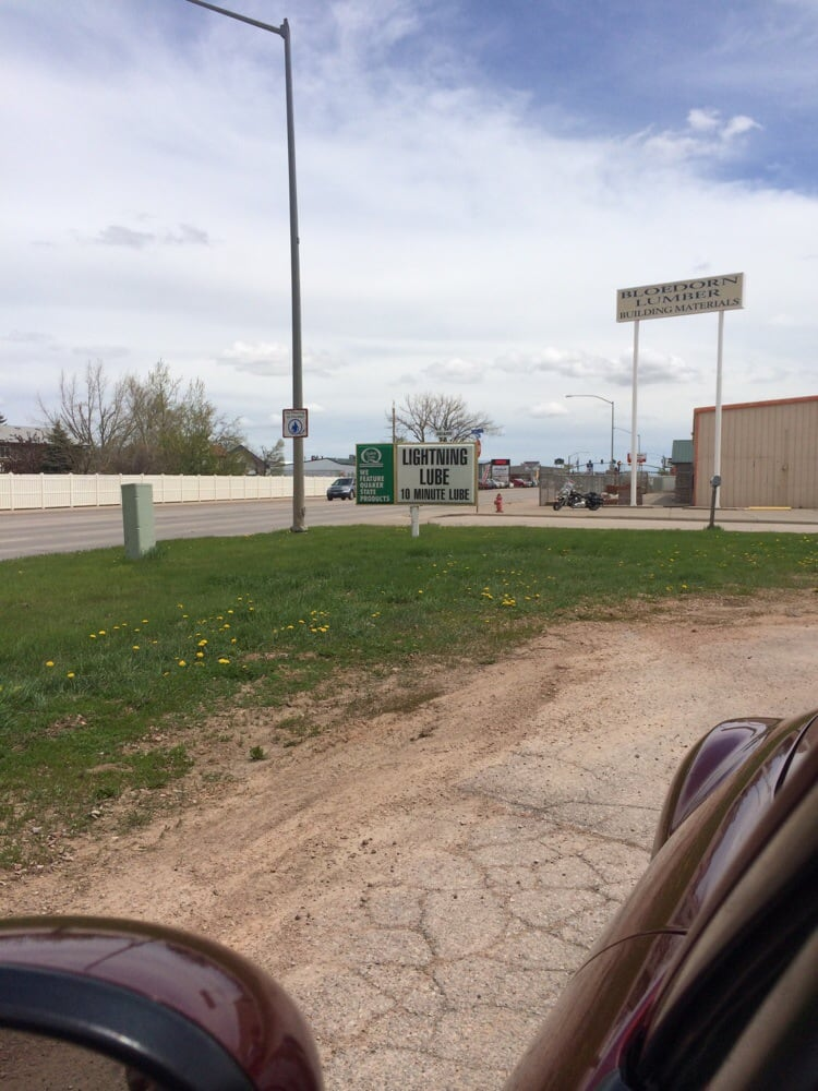 Lightning Lube: 206 East Lakeway Rd, Gillette, WY