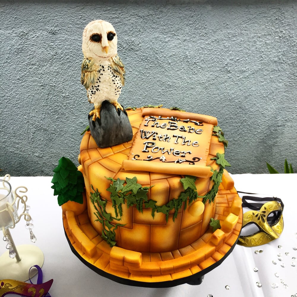 My Amazingly Beautiful Labyrinth Themed Baby Shower Cake Beverlys
