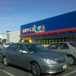 Toys R Us Closed Toy Stores Nj Route 35 36 Eatontown Nj