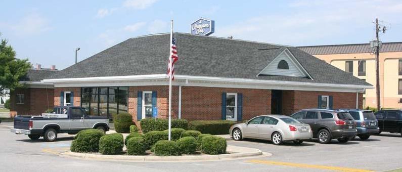 American Eyecare Center: 1730 Brunswick Hwy, Waycross, GA