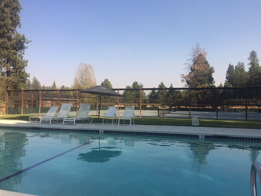Feather River Park Resort: 8339 Highway 89, Blairsden, CA