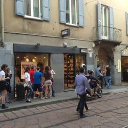 d20766d451 Eastpak store - Borse/Valigie - Corso di Porta Ticinese, 46, Centro  Storico, Milano - Numero di telefono - Yelp