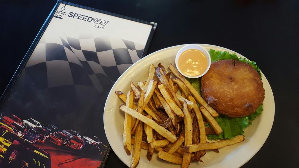 Speedway Cafe: 815 S Federal Blvd, Riverton, WY