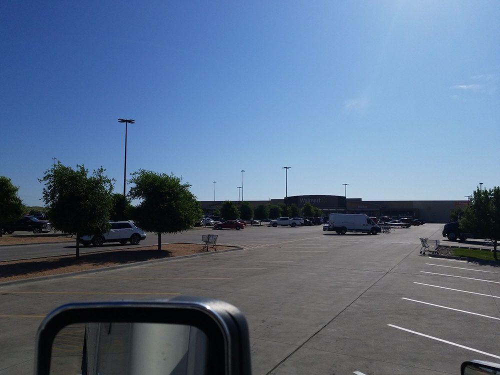 Walmart Supercenter: 2615 NE Bob Bullock Lp, Laredo, TX