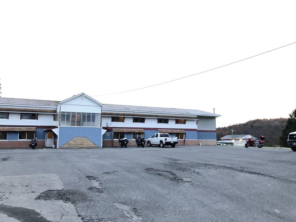 Alpine Lodge: 850 William St, Davis, WV