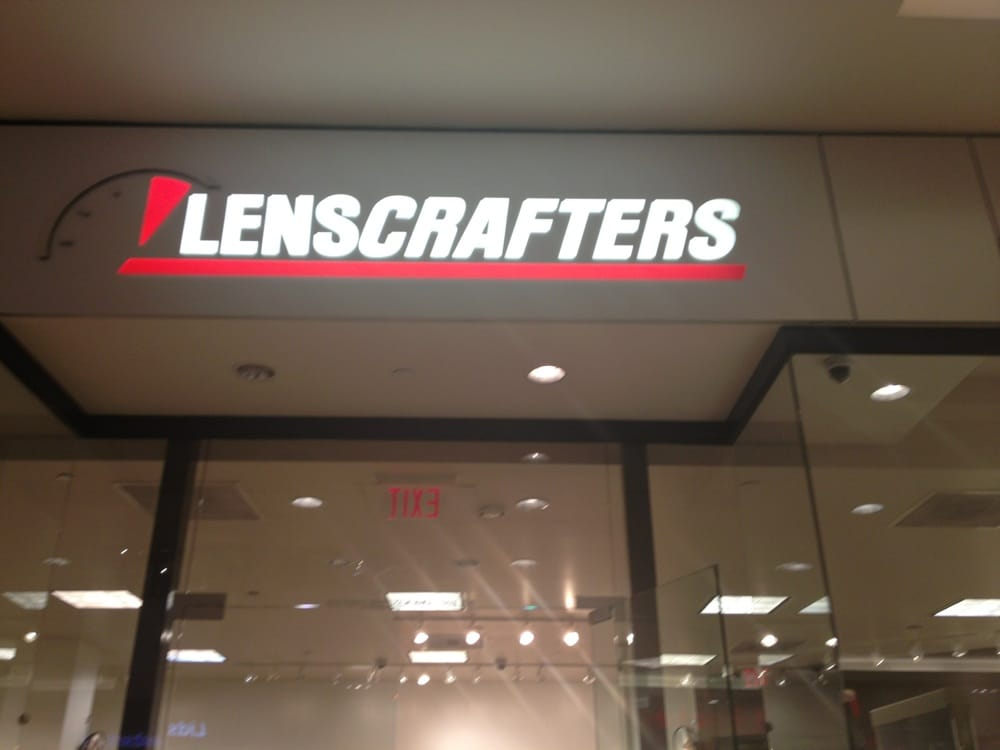 About LensCrafters Las Vegas, NV With a mission of helping people look and see their best, your Las Vegas LensCrafters has a passion for eyes. LensCrafters located at S Maryland Pkwy offers the best selection of the latest trends in eyewear from leading designer brands.