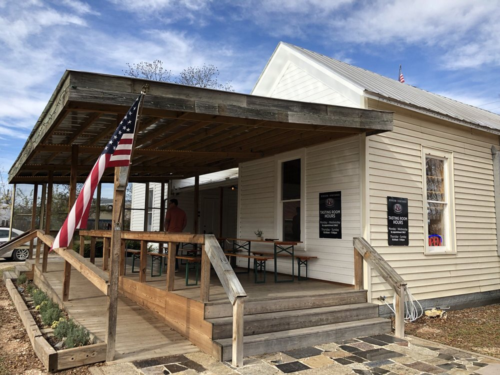 Newsom Vineyards: 717 Front St, Comfort, TX