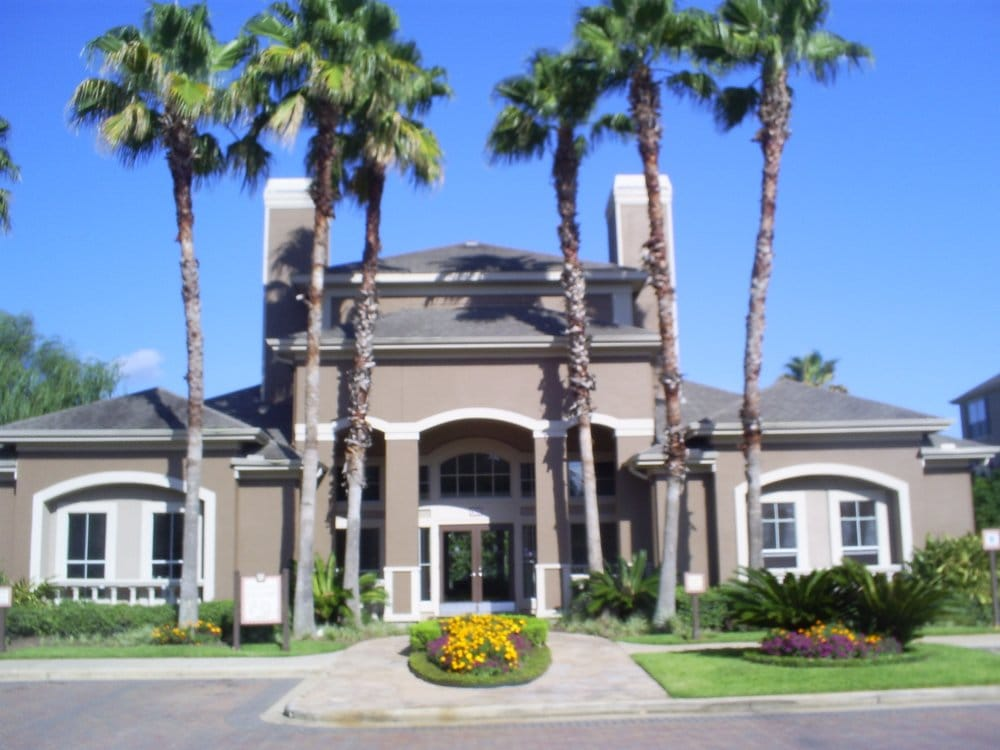 Clear Lake Palms Apartments