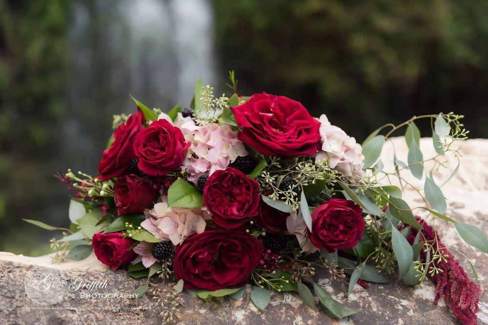 Jo's Flowers and Gifts: 750 Schneider Dr, Cibolo, TX